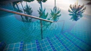 Reflets sur piscine
