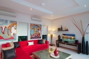Livingroom & incrustation piscine dans TV